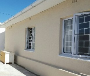 R 998,000 - 2 Bed Home For Sale in Muizenberg Upper