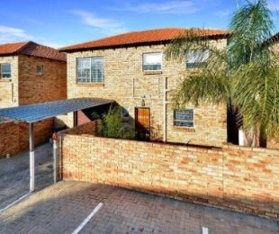 R 9,000 - 3 Bed Property To Rent in Little Falls