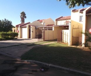 R 765,445 - 3 Bed Property For Sale in Jan Cillierspark
