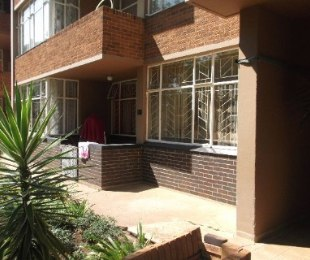 R 350,000 - 2 Bed Property For Sale in Dagbreek