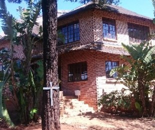 R 2,100,000 - 4 Bed House For Sale in Roodekrans