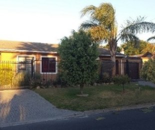 R 1,620,000 - 3 Bed Property For Sale in Protea Heights