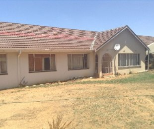 R 495,000 - 4 Bed House For Sale in Riebeeckstad