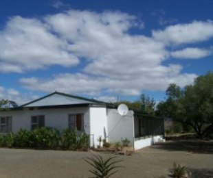 R 5,600,000 -  Farm For Sale in Merweville