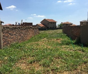 R 640,000 -  Plot For Sale in Monavoni
