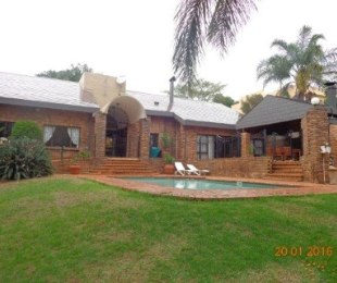 R 3,300,000 - 5 Bed House For Sale in Waterkloof Heights
