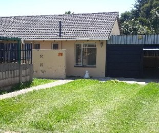 R 6,000 - 3 Bed Home To Let in Tulisa Park
