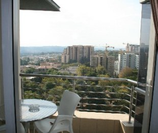 R 30,000 - 3 Bed Flat To Rent in Sandton