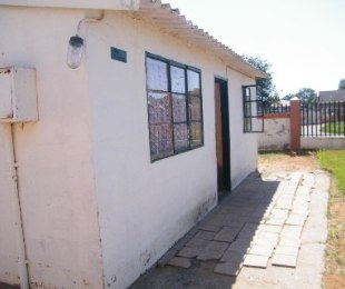 R 160,000 - 2 Bed Home For Sale in Bronville