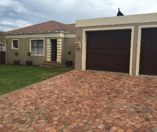 R 1,780,000 - 3 Bed Property For Sale in Langeberg Heights