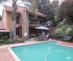 R 3,700,000 - 8 Bed Home For Sale in Erasmusrand