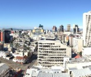 R 2,390,000 - 1 Bed Flat For Sale in Cape Town - City Bowl