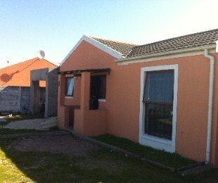 R 599,000 - 3 Bed House For Sale in Eersterivier