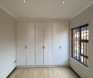 R 11,000 - 2 Bed Property To Rent in New Redruth