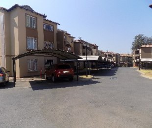 R 650,000 - 2 Bed Flat For Sale in Meredale