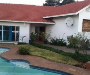 R 1,550,000 - 3 Bed Home For Sale in Glen Marais