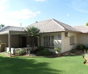 R 1,350,000 - 3 Bed Home For Sale in Doorn