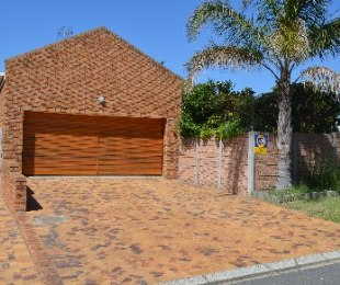 R 1,950,000 - 3 Bed Home For Sale in Vergesig