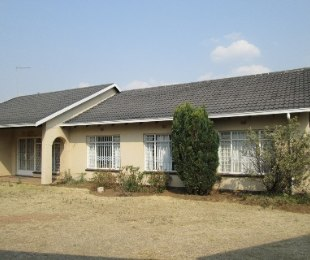 R 1,550,000 - 3 Bed House For Sale in Glen Marais