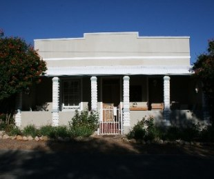R 2,100,000 - 4 Bed House For Sale in Prince Albert