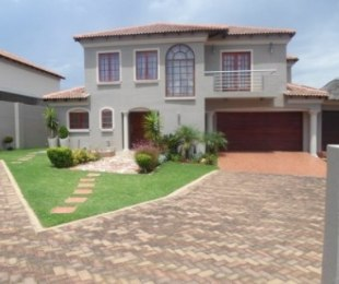 R 3,700,000 - 4 Bed House For Sale in Ormonde
