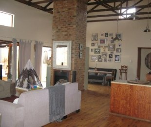 R 2,525,000 - 3 Bed House For Sale in Amberfield Valley