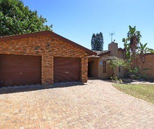 R 2,250,000 - 3 Bed House For Sale in Stellenberg