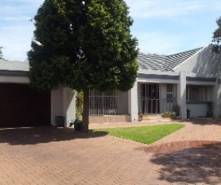 R 1,580,000 - 3 Bed Home For Sale in Parkdene