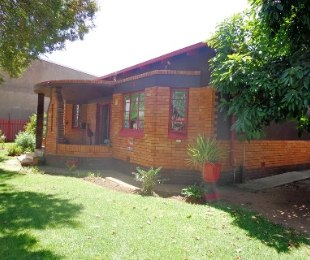 R 752,500 - 4 Bed House For Sale in Brenthurst