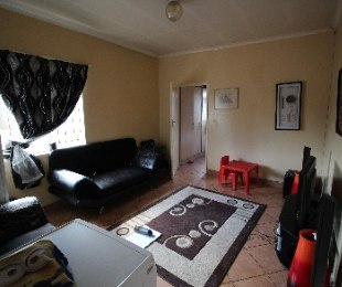 R 239,000 - 1 Bed Apartment For Sale in Muckleneuk