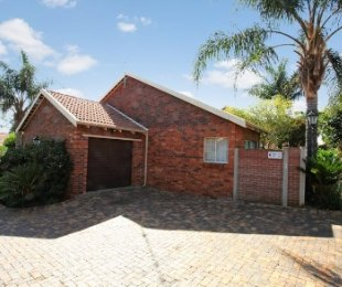 R 715,000 - 2 Bed Property For Sale in Little Falls