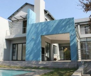 R 4,290,000 - 4 Bed Home For Sale in Waterkloof Park