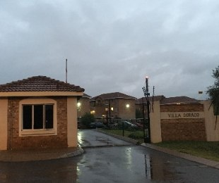 R 619,000 - 2 Bed Flat For Sale in Heuweloord