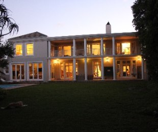 R 7,995,000 - 5 Bed Property For Sale in Constantia
