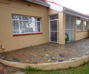 R 645,000 - 3 Bed House For Sale in Brakpan North