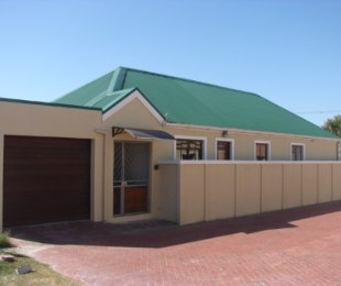 R 1,550,000 - 3 Bed House For Sale in Ottery