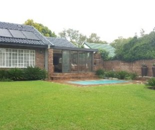 R 2,150,000 - 4 Bed House For Sale in Farrarmere