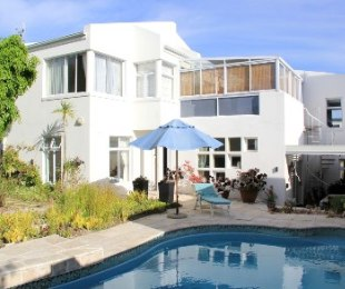 R 3,795,000 - 4 Bed Property For Sale in Marina Da Gama