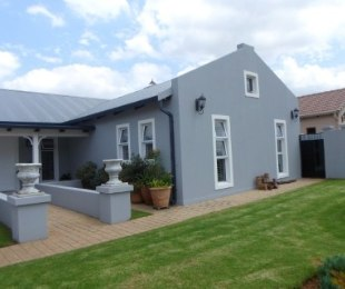 R 2,960,000 - 3 Bed Property For Sale in Eldo Lakes Estate