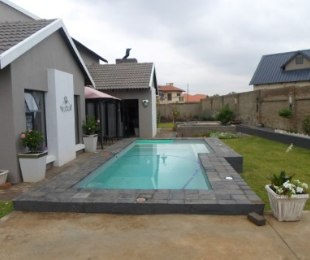 R 3,250,000 - 3 Bed House For Sale in Eldo Lakes Estate