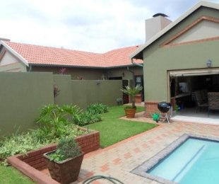 R 3,445,000 - 4 Bed Property For Sale in Eldo Lakes Estate