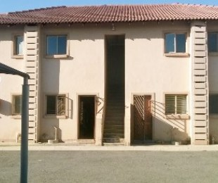 R 520,000 - 2 Bed Property For Sale in Crystal Park