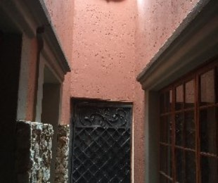 R 4,700 - 1 Bed Property To Rent in Ferndale
