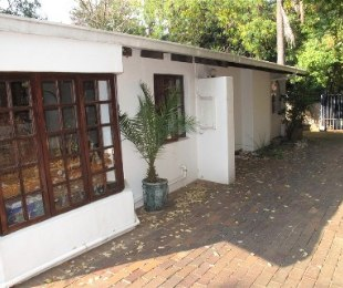 R 13,500 - 4 Bed House To Let in Robindale