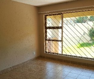 R 6,700 - 2 Bed Property To Rent in Bassonia