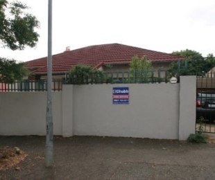 R 699,000 - 3 Bed Property For Sale in Malvern