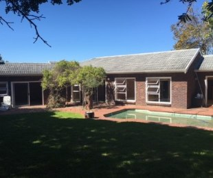 R 3,499,000 - 4 Bed House For Sale in Constantia