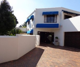 R 6,350,000 - 5 Bed House For Sale in Waterkloof Heights