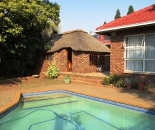 R 2,600,000 - 4 Bed Property For Sale in Zwartkop