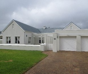 R 45,000 - 4 Bed House To Rent in Steenberg